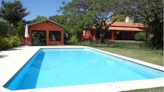 Belíssima Chácara No Condomínio Rancho Dos Arcos - Bch222