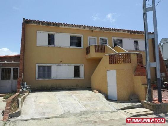 Apartamentos En Venta Tucacas 19-13382 Mz 04244281820
