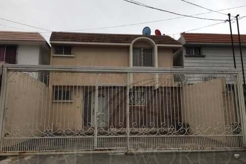 Casas En Venta En Jardines De Anáhuac Sector , San Nicolás De Los Garza