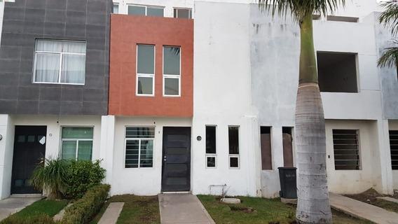 Se Vende Casa En Coto Villas De San Martin, Tlajomulco, Zapopan.