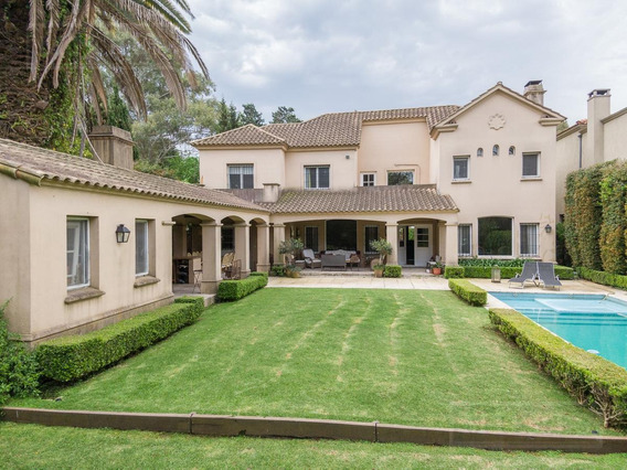 Lindísima Casa En Venta En La Horqueta- San Isidro