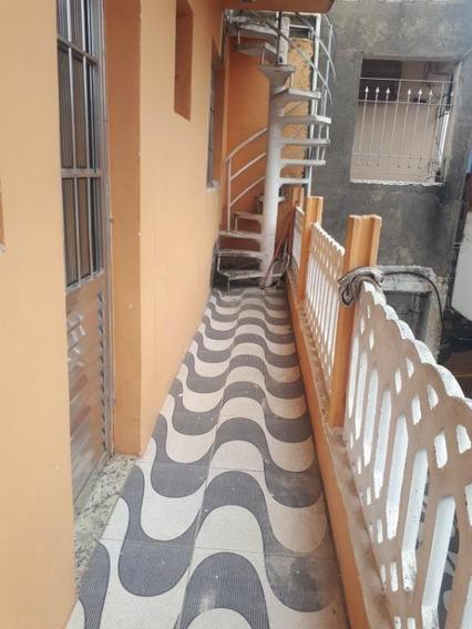 Casa Com 2 Dormitórios Para Alugar Por R$ 700,00/mês - Parque Rodrigo Barreto - Arujá/sp - Ca0325