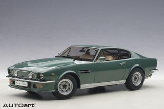 Aston Martin V8 Vantage 1985 Autoart 1:18 Verde