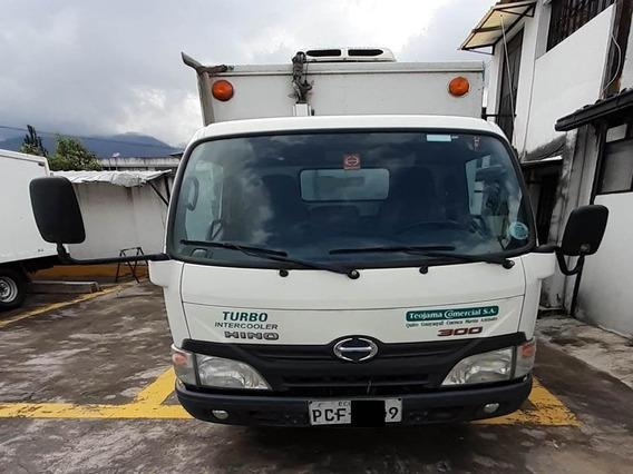 Camion Hino Dutro 512