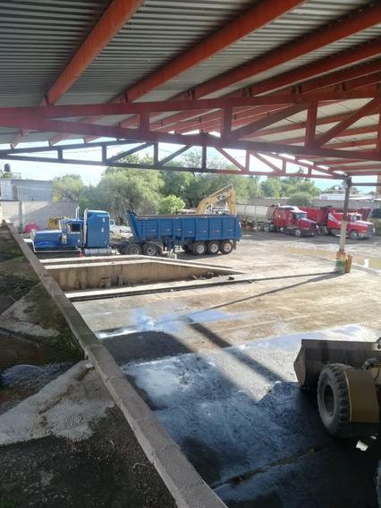 Terreno Con Oficinas Y Locales Comerciales En Pabellón