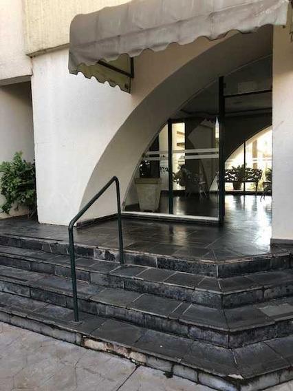 Venda De Apartamentos / Padrão Na Cidade De Araraquara 9464
