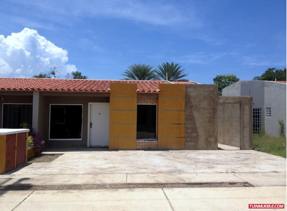 Casas En Venta Cumana. Urb Arrecife