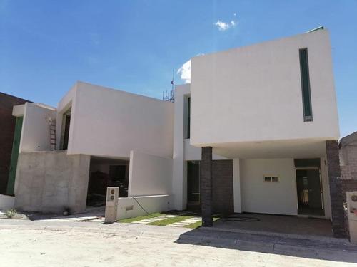 Imagen 1 de 12 de Casa Sola En Venta Privada Quinta Bonita