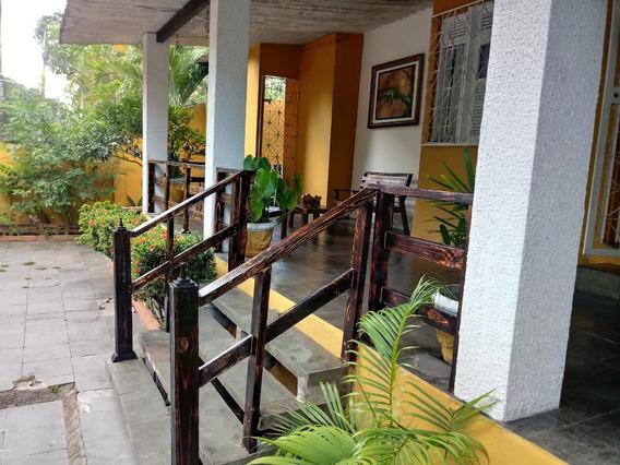 Belíssima Casa Em Bairro Super Bem Conceituado Em Manaus!