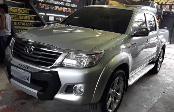 Toyota Hilux Sr 4x2 2.7 Flex/gnv Automática.
