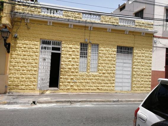 Zona Colonial Casa En Venta De 2 Habitaciones Con Patio