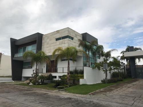Hermosa Residencia En La Ceiba A La Venta