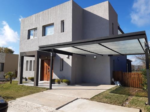 Casa Country 3 Dorm Suite + Cochera + Piscina / Temp 2021/22