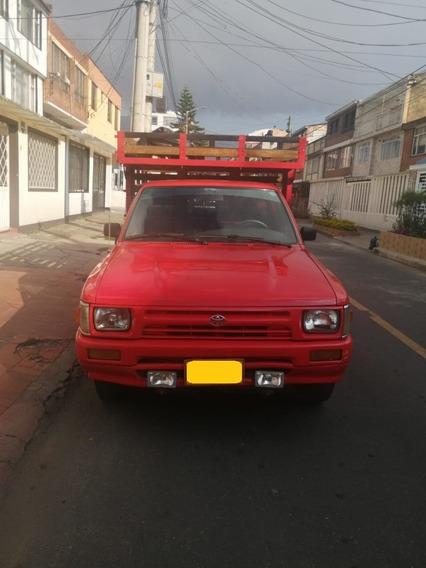Toyota Hilux 94 Roja 2 Puertas