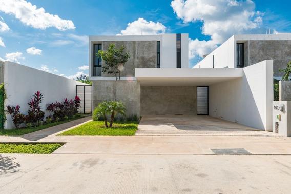 Casa En Venta En Arbórea En El Norte De Mérida En Conkal