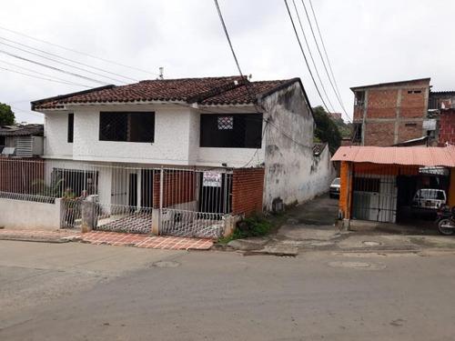 Imagen 1 de 8 de Casa-local En  Arriendo