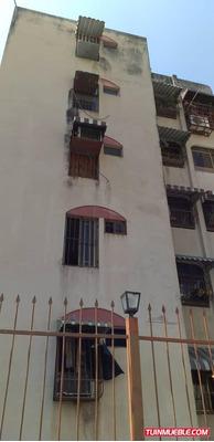 Apartamentos En Venta Los Chaguaramos 04141291645