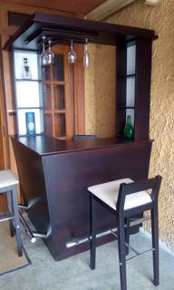 Cuero & Madera, Bar Con 3 Bancos De Bar, Licorera