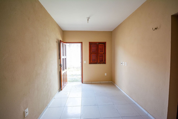 Aluguel Casa - 2 Quartos E Garagem