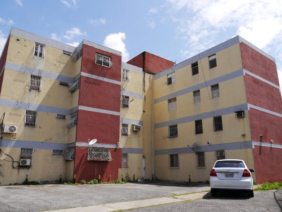 Apartamento En Venta Bararida 19-1810