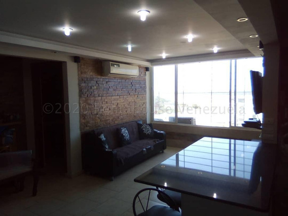 Apartamento En Venta En La Atlantida Mv - Mls #21-2654