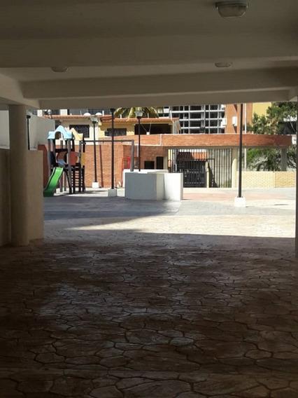 Apartamento En Alquiler. Silver House. Barquisimeto