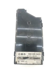 Rele Central Conecta Cabo Usb Vw Jetta 5n0035342g