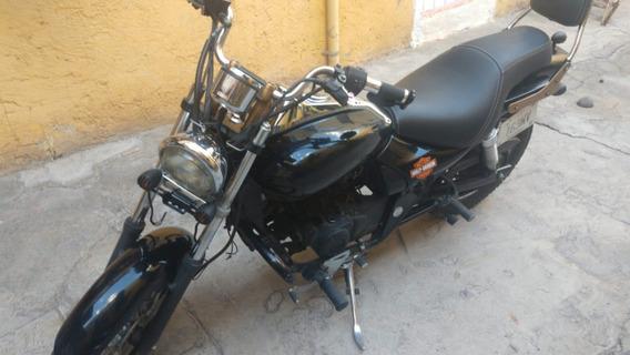 Moto Avenger 220