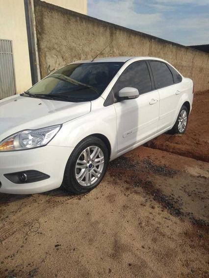 Ford Focus Sedan Ano 2013-particular