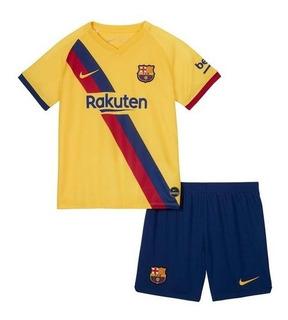 Kit Infantil Barcelona 2020 - Messi, Griezmann, Suarez, Alba