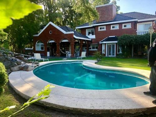 Casa 5 Ambientes En Alquiler Y Venta En Campos De Alvarez