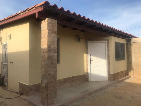 Disponible Casa En Venta Puerta Maraven 20-972