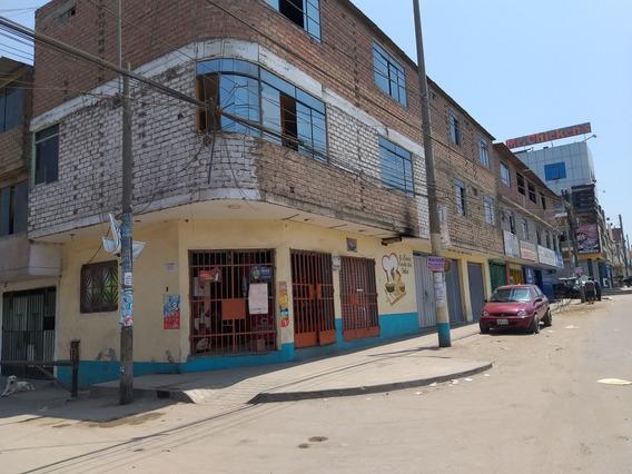 Casa De 3 Pisos En Av. Lima