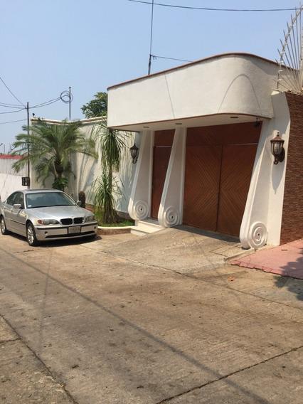 Casa En Venta En Fracc. Vista Alegre. Acapulco,gro.