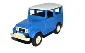 Miniatura Toyota Bandeirante 1:32 Carros Brasil Clássicos 2