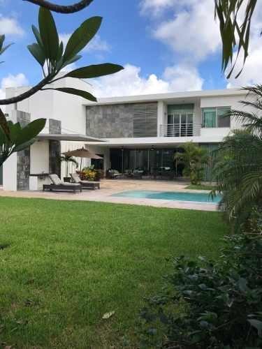 Casa En Montebello En Esquina Moderna Equipada