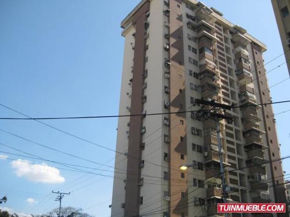 Apartamento En Venta En Av Aragua Urb El Centro 20-12838 Mv
