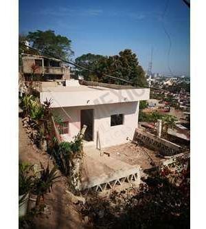 Gran Remate De Casa Sola En Colonia Agua Azul En Andador Con Escaleras Vistas Espectaculares Recien Remodelada