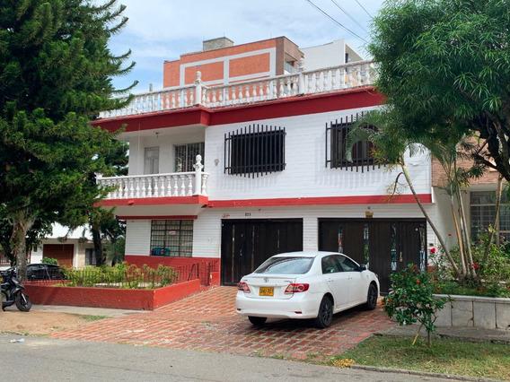 Casa Esquinera En La Castellana - Laureles