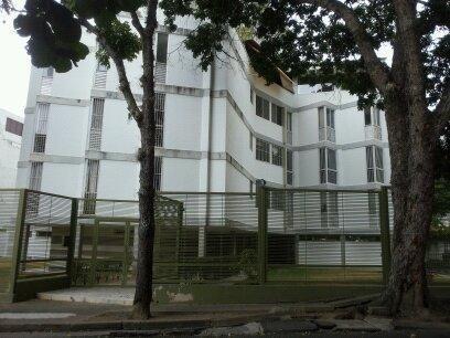 Apartamento En Venta Los Naranjos De Las Mcdes. Fatl 19-9703