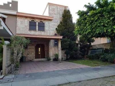 Casa En Guadalupe Jardín