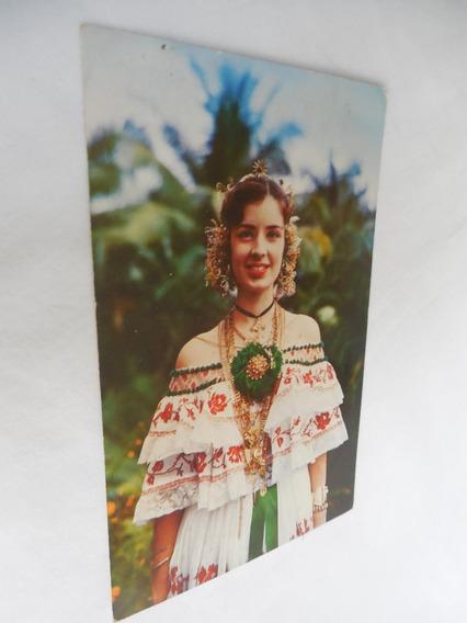 Postal Una Bella Señorita Panameña Con Traje Tradicional