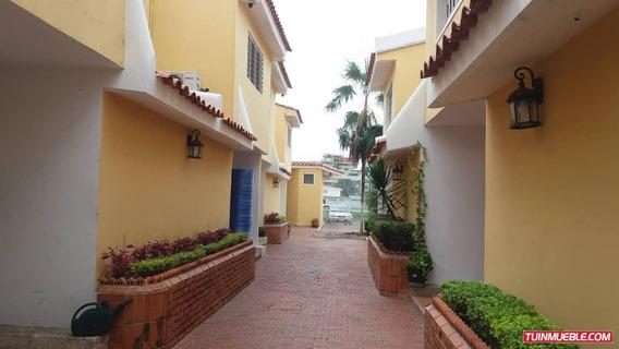 Townhouses En Venta 04163418694