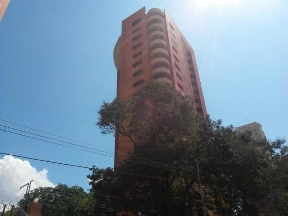 Apartamento En Venta. El Milagro. Mls 20-17457. Adl