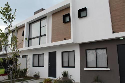 Casa En Venta En Zakia, El Marques, Rah-mx-20-573