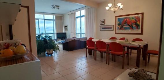 Guarujá Sp - Praia Das Pitangueiras - 5 Dormitórios - 3 Banheiros - 1 Vaga De Estacionamento - Frente Ao Mar - 1 Vaga De Garagem - Ap4554