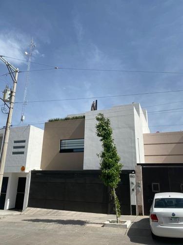 Casa En Venta En Villa Magna 1a. Secc Slp