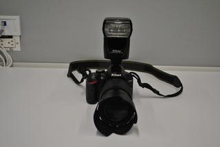Nikon D3200 + Lente + Flash