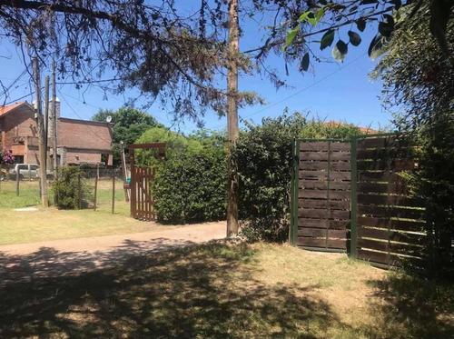 Dos Casas En Un Padron Casa Principal Arrendada