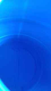 Bidón De Plastico Cerrado De 220 Litros Para Agua